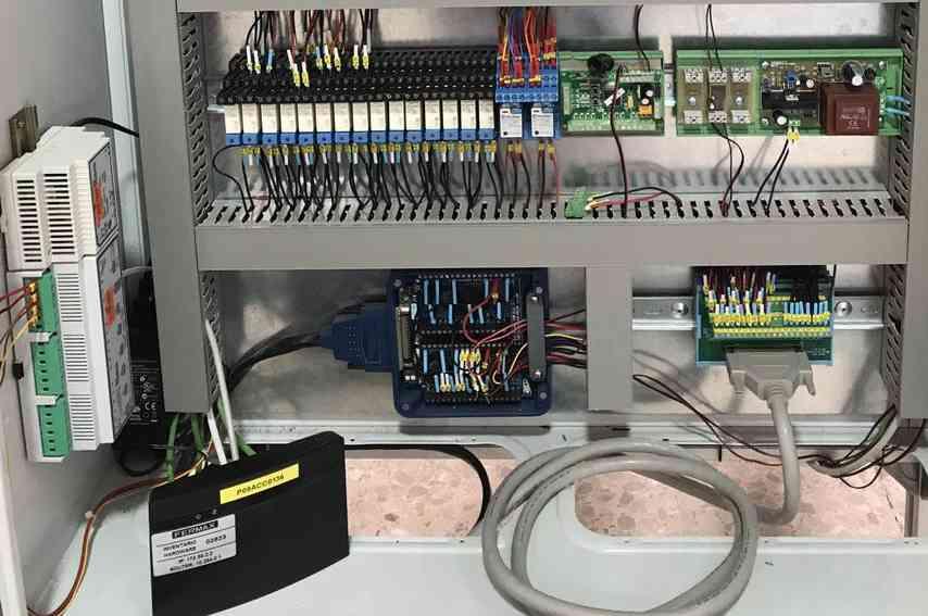 detalle cuadro eléctrico Fermax