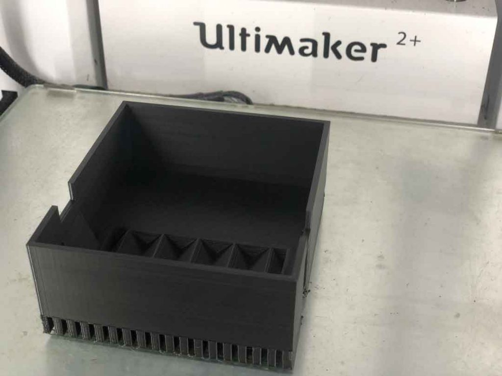 útil-impresión-3D-recogida-componentes-rechazados